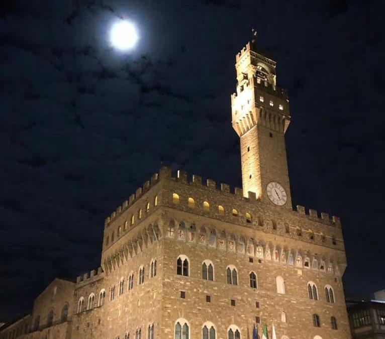 La luna y el Duomo.